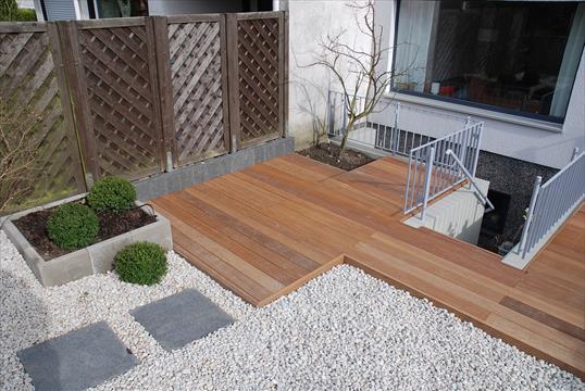 gestalten mit holz klo garten und landschaftsbau velbert. Black Bedroom Furniture Sets. Home Design Ideas