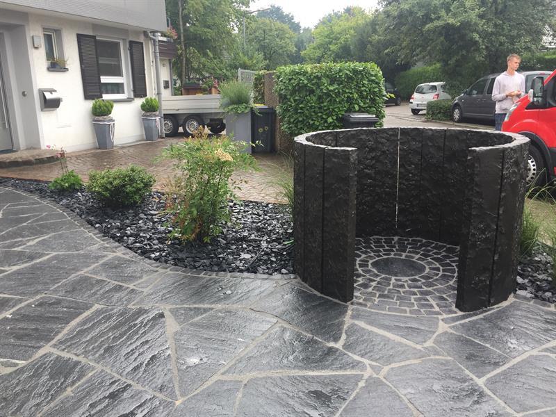 vorgartengestaltung mit maggia granit und basalt in ratingen klo garten und landschaftsbau. Black Bedroom Furniture Sets. Home Design Ideas
