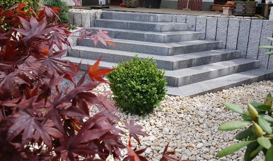 Anspruchsvoll gestaltete stufenanlage aus granit blockstufen in solingen klo garten und - Garten und landschaftsbau solingen ...